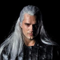 Henry Cavill se muestra como The Witcher