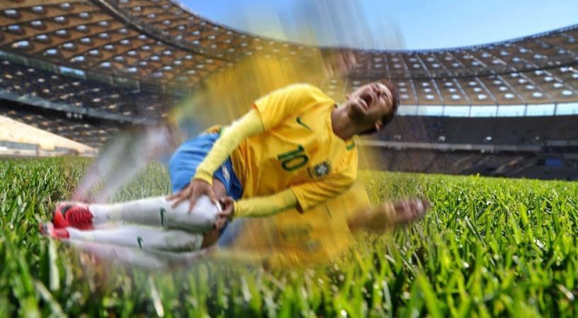 neymar en el piso dando vueltas
