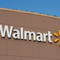 Walmart dejará de vender videojuegos violentos, pero seguirá vendiendo armas